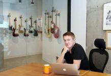 Andy Mooney CEO da Fender