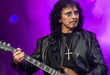 Tony Iommi tocando ao vivo