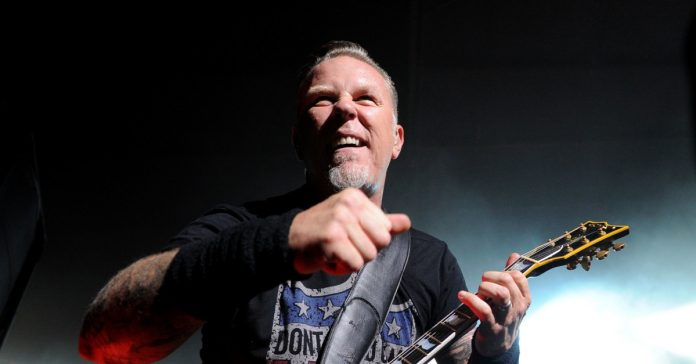 James Hetfield no palco