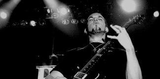 Mark Tremonti em preto e branco